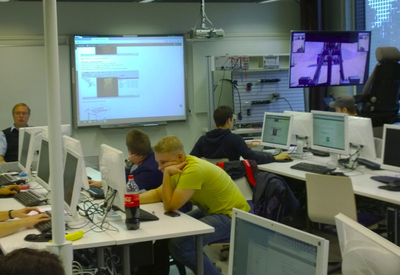 Simulator in the classroom education